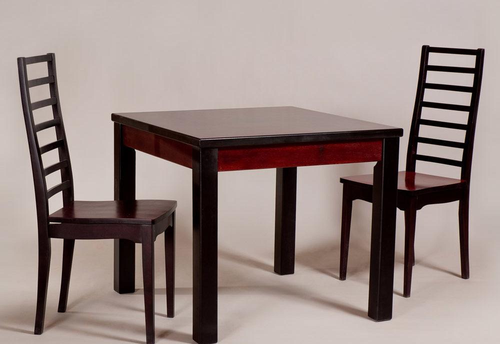Обеденный стол «Кватро» для кухни из массива дерева. Классика №3