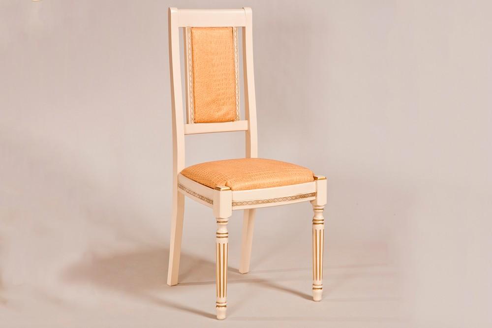 Обеденный стул для кухни из массива дерева. Классика. Мебельная фабрика «LIERRO»