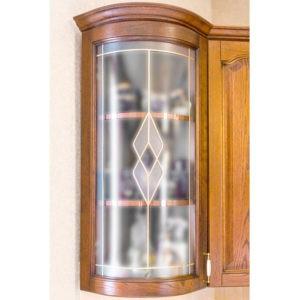 Кухня «Агата» угловой радиусный стеклянный фасад